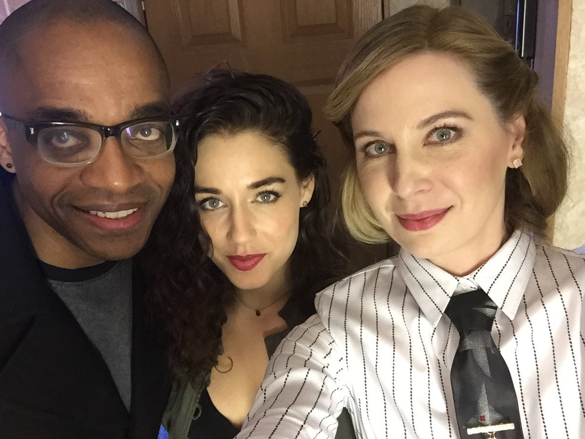In my favorite #TheMagicians outfit with @JadeTailor and @rickworthy https://t.co/ohHZtFIqWZ