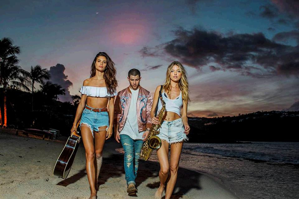 Just 1 more day til @nickjonas & the Angels rock #StBarth. 9/8c on @CBS! #VSSwimSpecial https://t.co/HTDuHouTjz