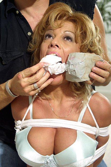Latina bizarre nude