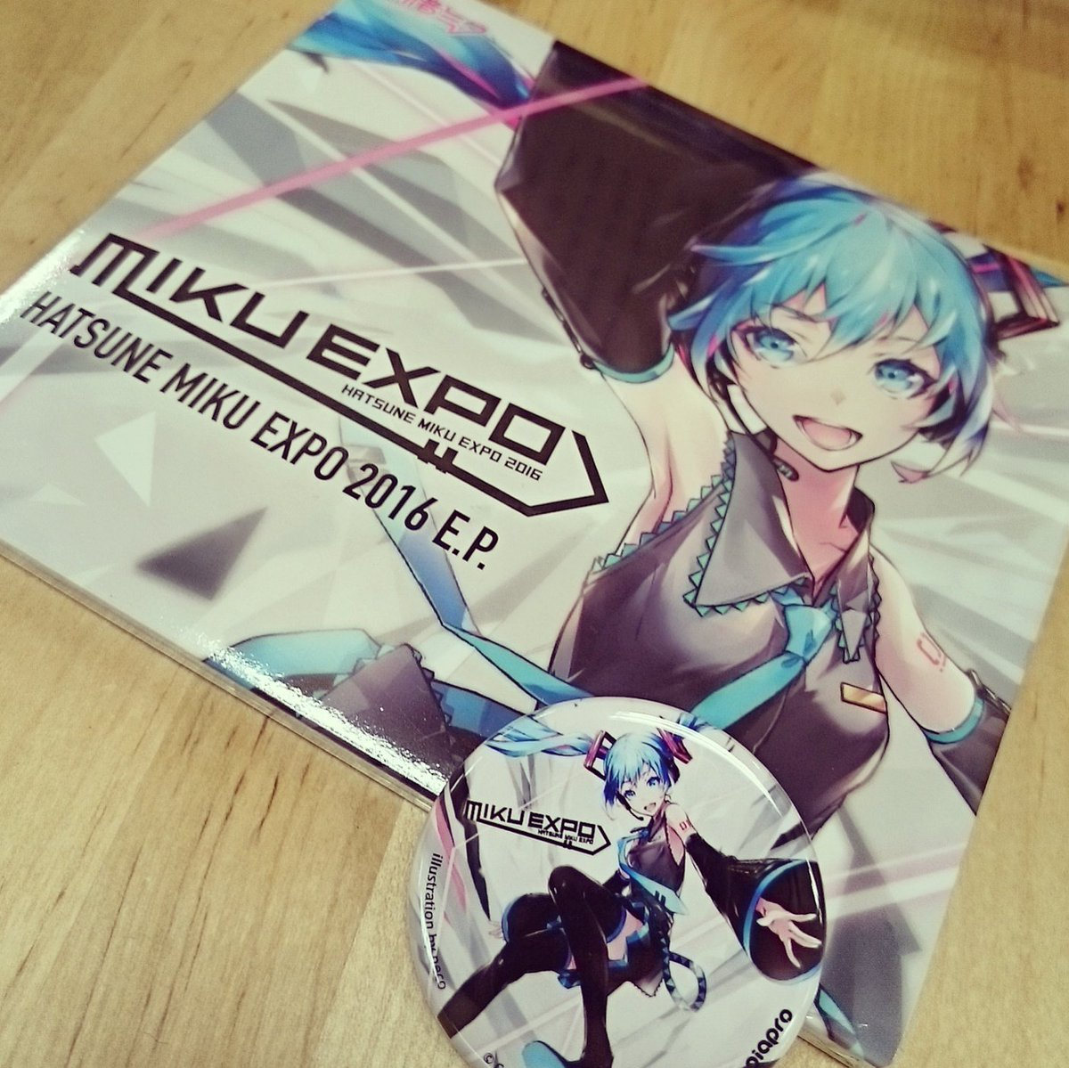 Tomm is #MikuDay! Get your #mikuexpo2016 CD starting tomm at NY, Chicago, Seattle, SF, and LA! Plus Kino excl badge! https://t.co/t1lyrA0otV