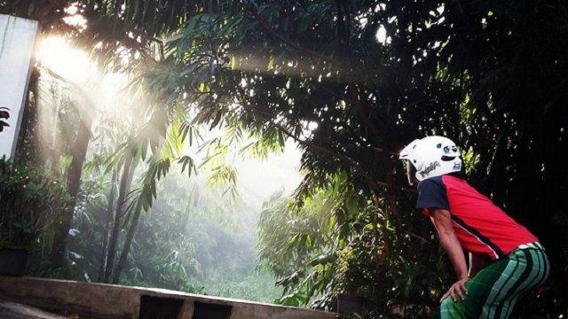Kocaknya Sisi Lain Gerhana Matahari di Indonesia https://t.co/rblrCrgdqO via @uniqpost https://t.co/cAbWY4xnSm