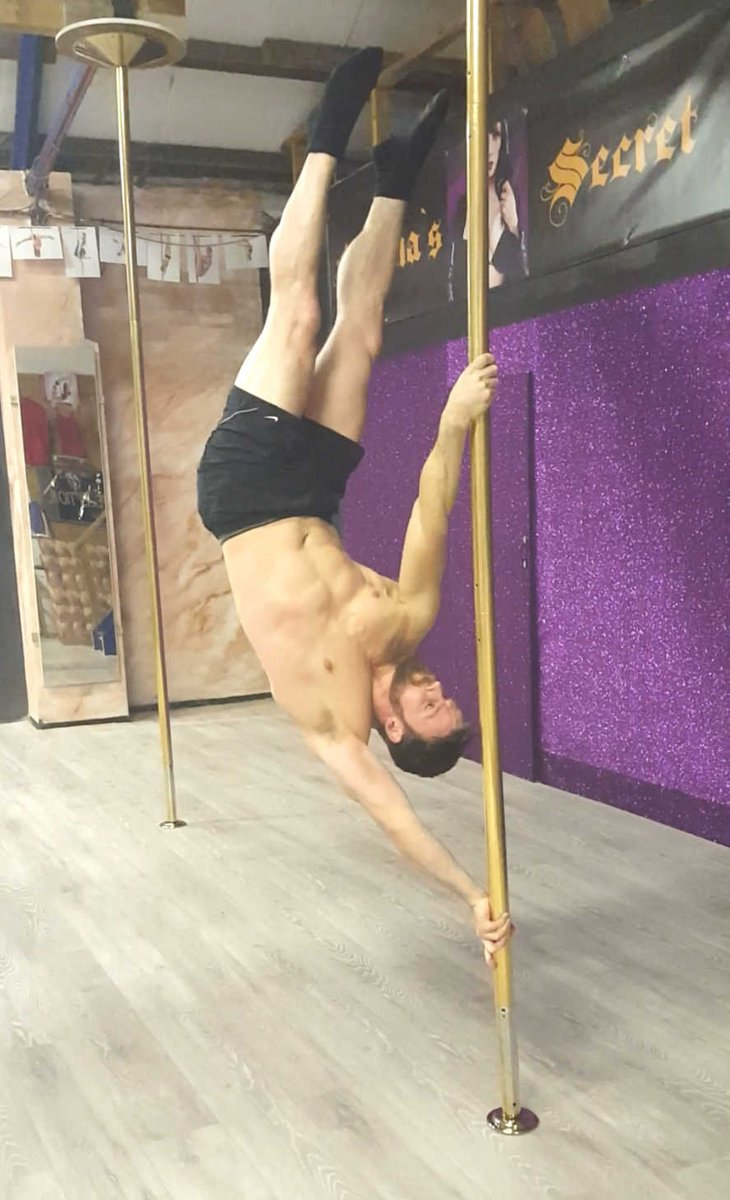 Uploaded my pole strength moves to #Adultwork £1.20 each aqhff25kTu Here's a topless still