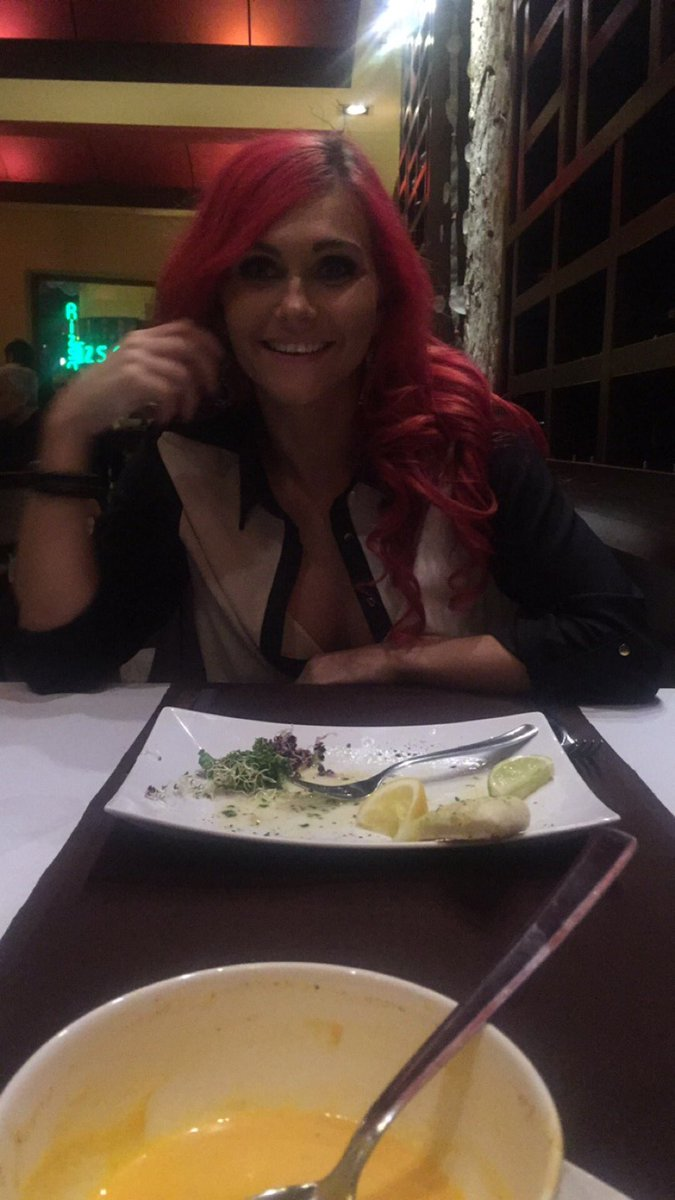 Out for dinner in Budapest and as usual I forgot my knickers #pussy #food #eatme #budapest #pornlife
