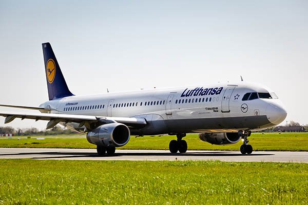 .@lufthansa set new record @DublinAirport with almost 550,000 passengers travelling in 2015