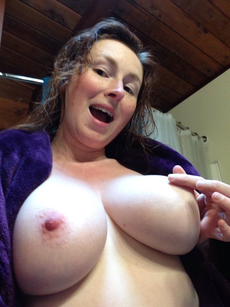 Some after shower #naked fun today! #nipples TDDECofsLQ