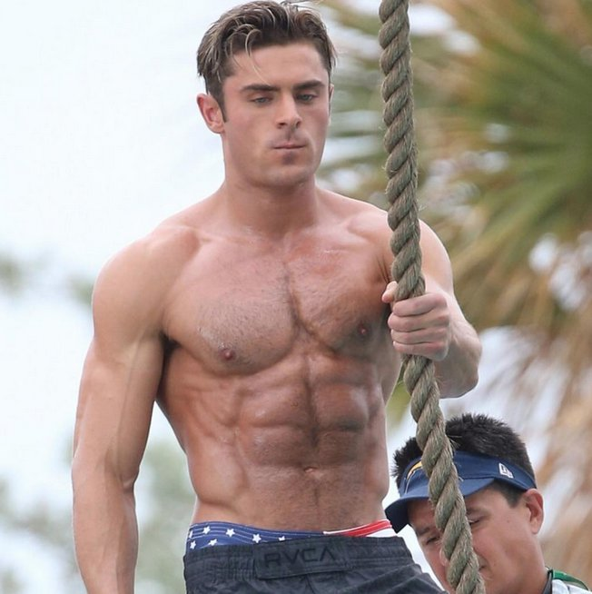 Heres How You Can Get Zac Efrons Baywatch Abs Scoopnestcom