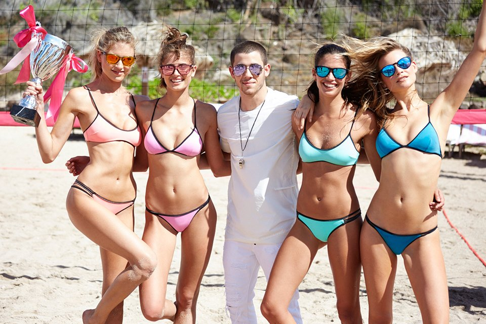 #AngelSquad + ref @nickjonas post-game. Congrats to Martha & Sara! ???? #VSSwimSpecial https://t.co/z7BAJxnJOR