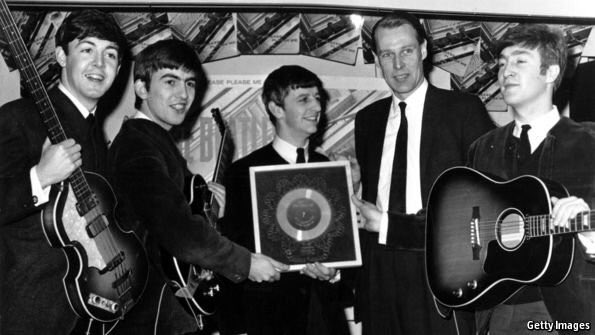 Dear uber legend who helped make some of the greatest music in history, thank you. George Martin. r I p https://t.co/iE5O9NA5TL