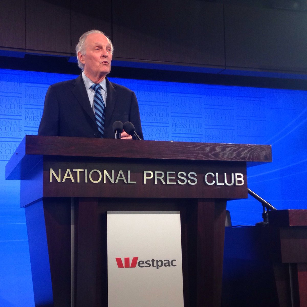 Alan Alda, Actor and Science Advocate, Addressing the #NPC speaking on 'Science Belongs to All of Us' live on #ABC https://t.co/IPCXj3QvWY