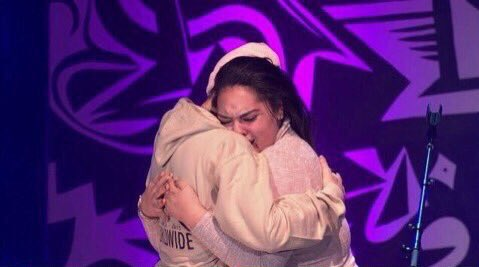 """On a positive note, the """"One Less Lonely Girl"""" tradition ended with a very special, genuine belieber. https://t.co/TlnnwvqMxa"""