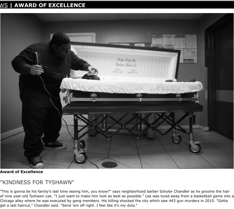 Seen SO many casket shots, nothing like this. By @ejwamb @PicoftheYear winner. @ChiTribPhoto https://t.co/cEwfnjxNXz