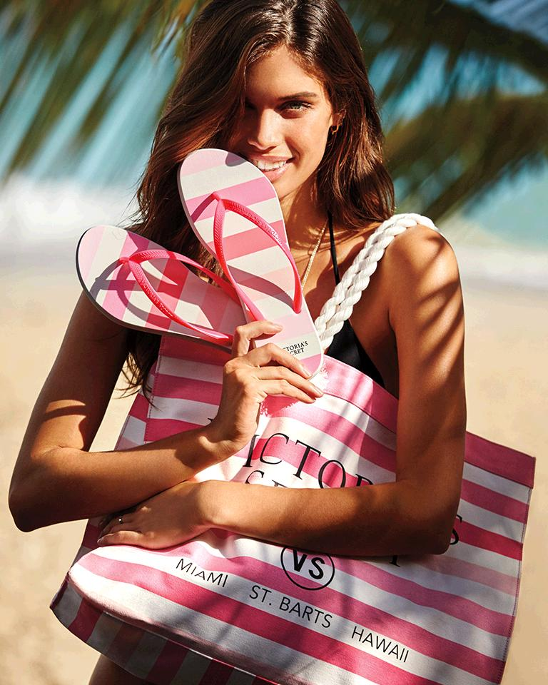 #VSSwimSpecial got u beach-dreaming? This tote + flip-flops FREE w/ $75 purch thru 3/12! https://t.co/nVW0nO3pft https://t.co/lD0MVM6juo