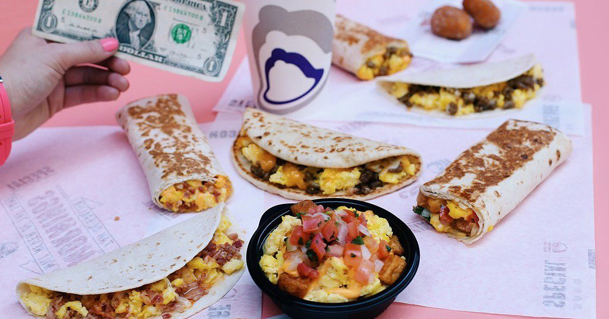 This is NOT A DRILL: @TacoBell just released a $1 breakfast menu! https://t.co/aEkMewMra0 https://t.co/fnV46cjEvO
