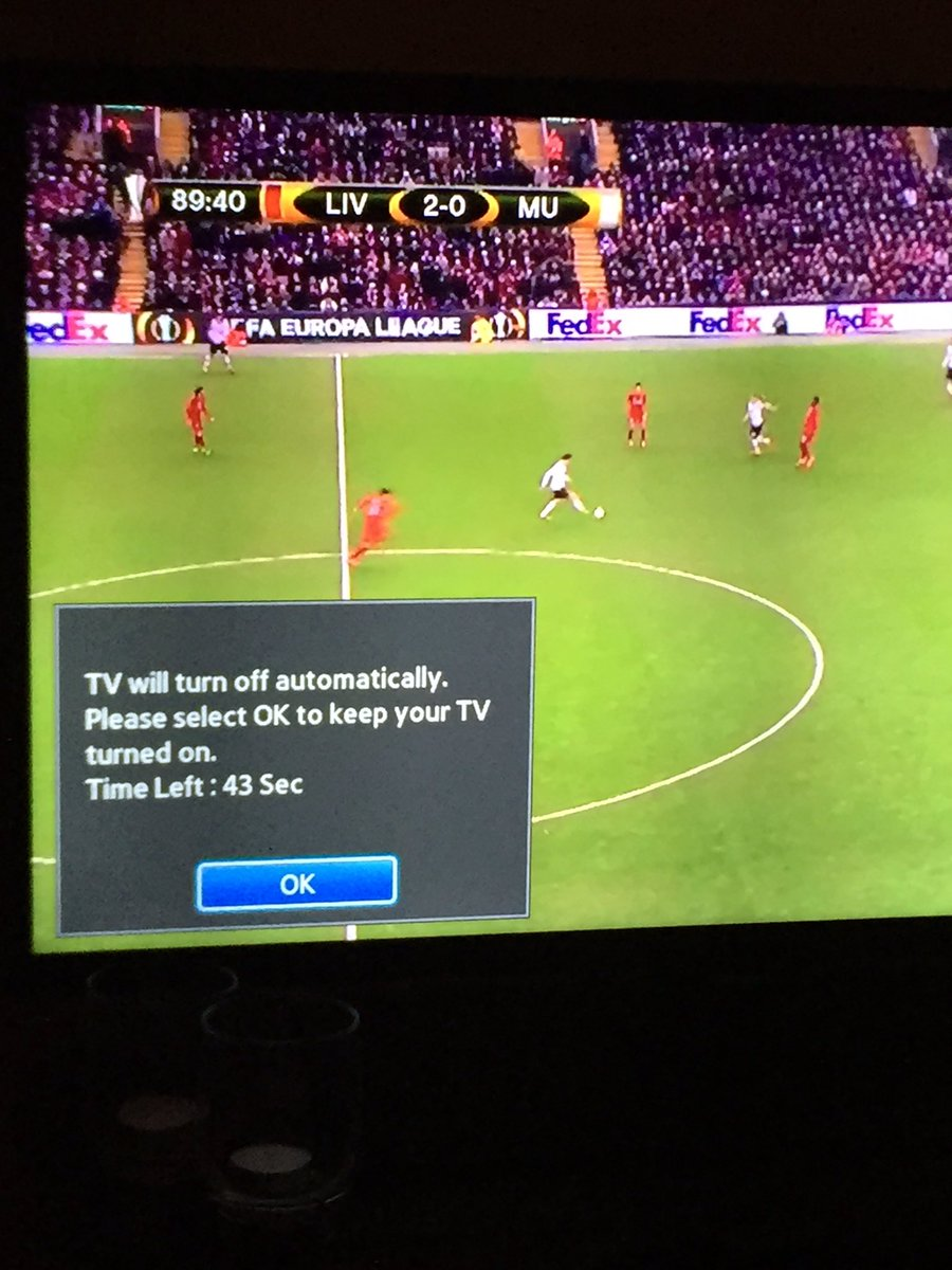 Even the tv is fed up with this #mufc https://t.co/whi9GXFWKn
