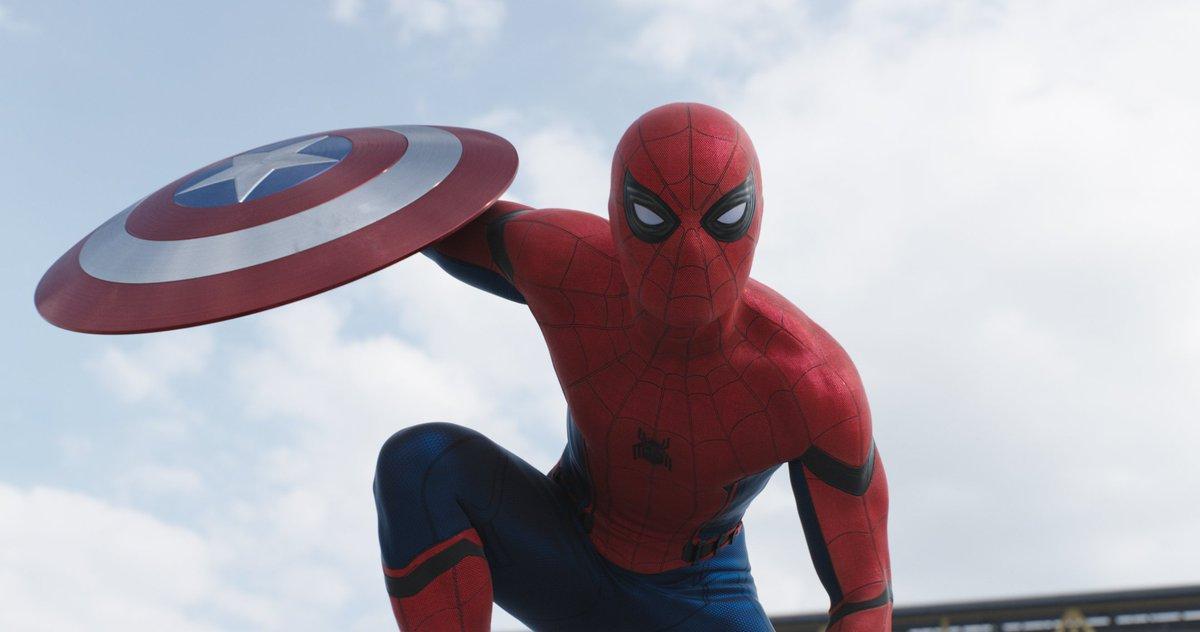 High-Res @SpiderMan shots from the @CaptainAmerica: Civil War trailer: https://t.co/ri8BZmZ04d https://t.co/nzMrZn1pgb