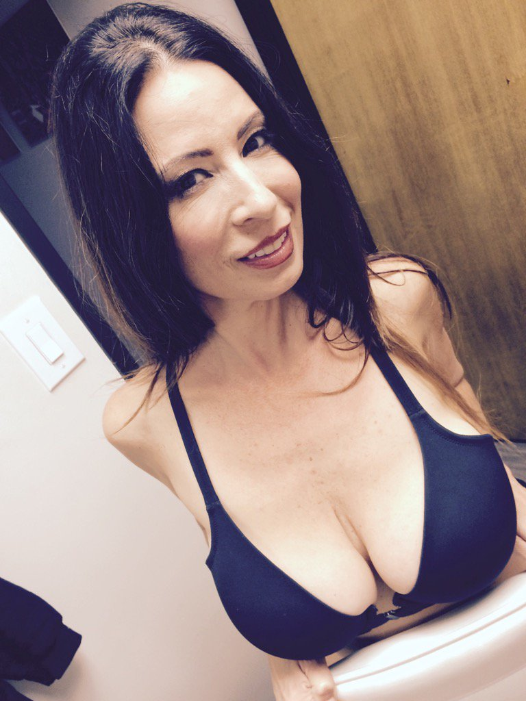 Oh yesss getting in the shower for my cam show 11:45am-12:44pm lets get dirty together...Christycanyon