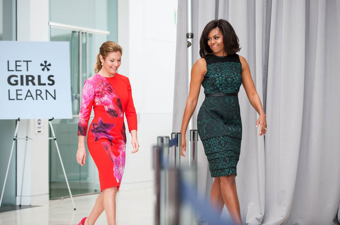 Sophie Grégoire Trudeau & @MichelleObama arrive at @USIP. #LetGirlsLearn #PMDC https://t.co/Sgd5ms8YO9