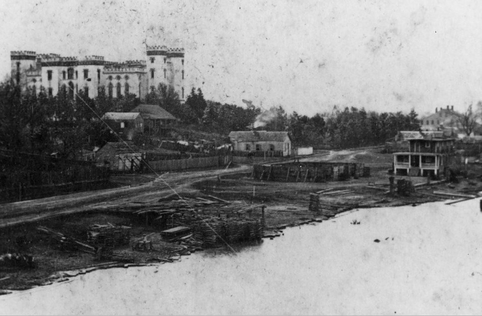 Downtown Baton Rouge before the levee was built, c. 1850s -1860s #ThrowbackThursday https://t.co/aHVaQ0mt5n