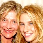 Kesha's mom finally speaks out about Dr. Luke, says her daughter was a 'prisoner.' https://t.co/RNj9uGDI37 https://t.co/noyJPdghHY