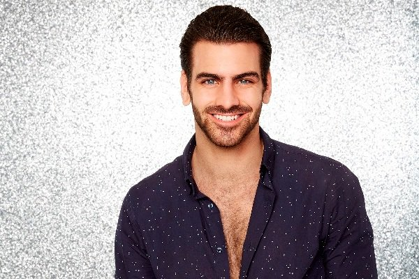 3 things to know about #ANTM's @NyleDiMarco before he heats up the #DWTS dance floor https://t.co/QAr0SwVt8O https://t.co/2kjqmCbme6