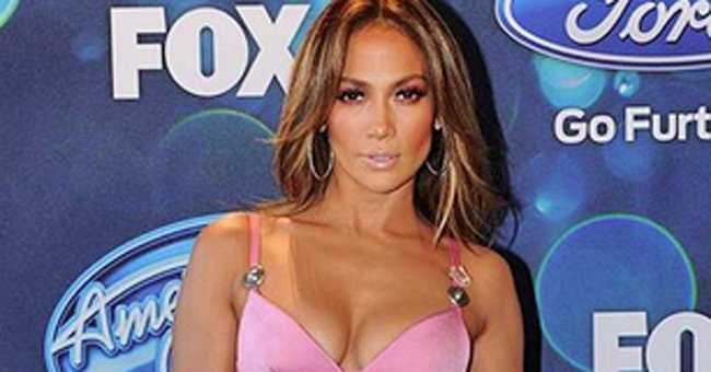 Jennifer Lopez's dress confused *alot* of people on Twitter last night...