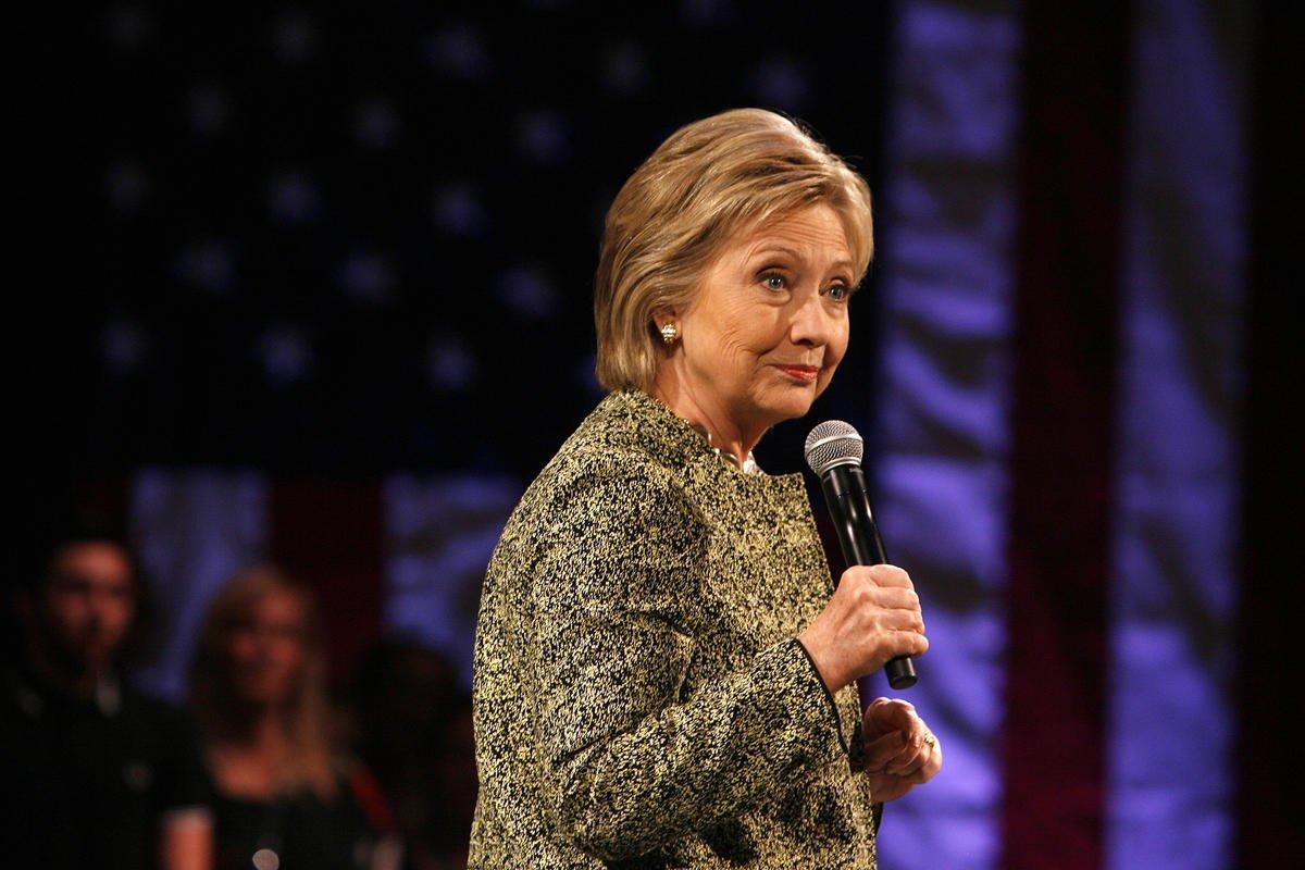 .@AdrianaCohen16: Hypocritical  @HillaryClinton needs reality check https://t.co/TTmOR6AFMw https://t.co/jK18EkqXQZ