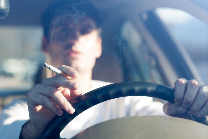 Verbied gewoon de verkoop van sigaretten? Je mag defacto toch nergens meer roken. https://t.co/FwXkhReV27