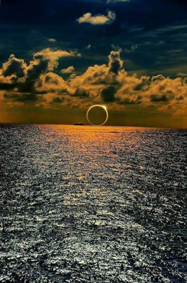 What an amazing planet #Eclipse2016 https://t.co/TGeKbqd3Ni