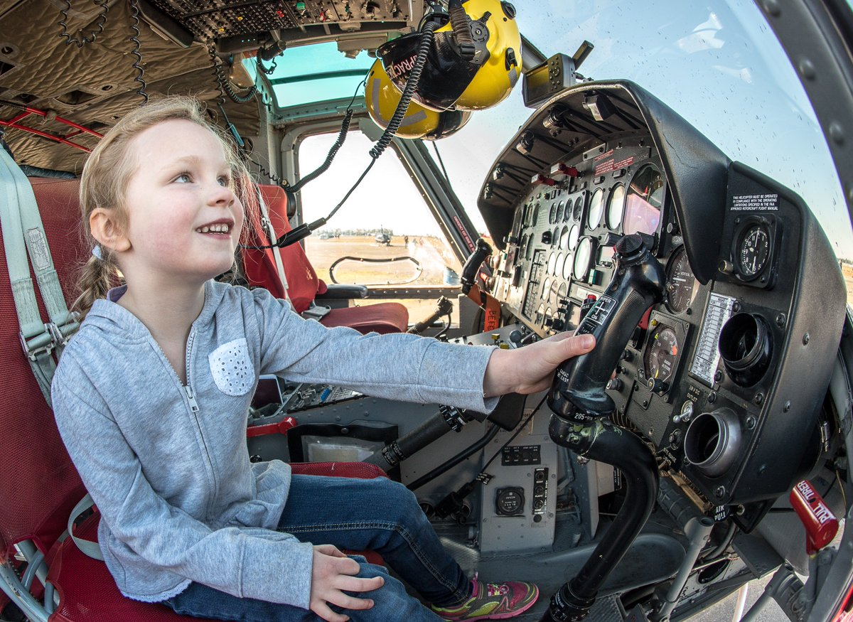 First time female flyers get free flights this weekend at YVR-sponsored @GirlsFly_Too event: