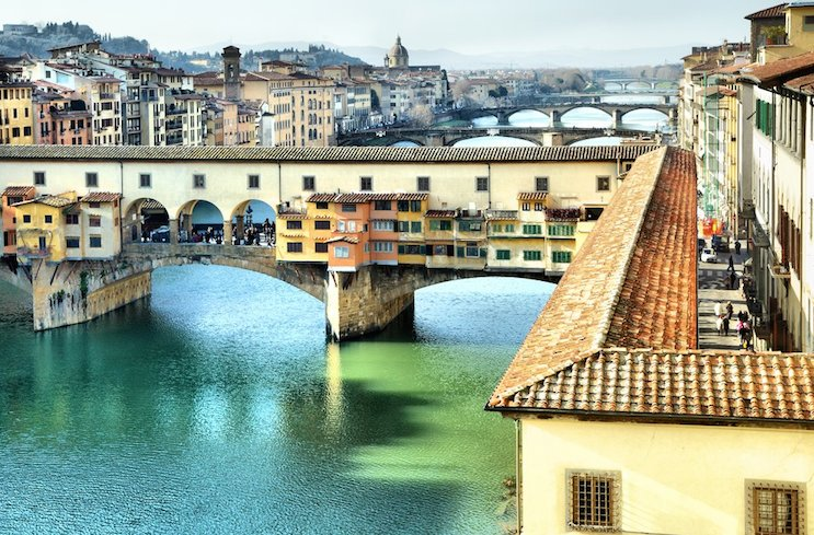 Attn: #Firenze lovers! RT @TheFlorentine Vasari Corridor: not just for VIPs and Medicis! https://t.co/BOVfe30S2h  https://t.co/vNE8UWRprg