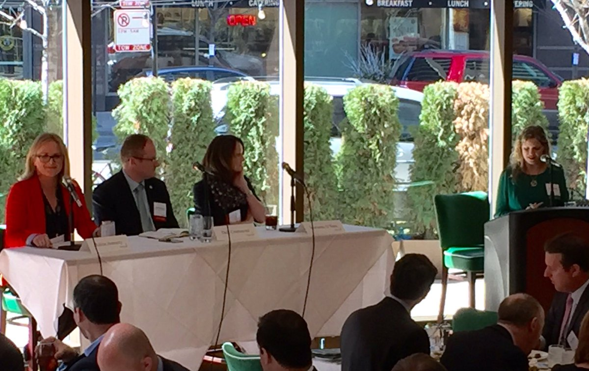 Our #IRLFoodIsland panel w/ @DaleCrammond @ornua @PepsiCo, great to have @CorkChamber as well! https://t.co/3Pr1FoaGFU
