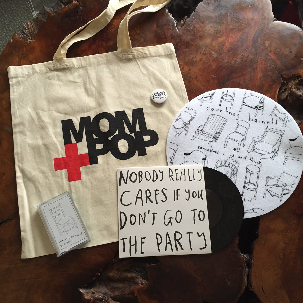 Love Grammy nominated artist @courtneymelba? We're giving away 3 swag bags. RT for a chance to win. @momandpopmusic https://t.co/nlVuZMCyiq