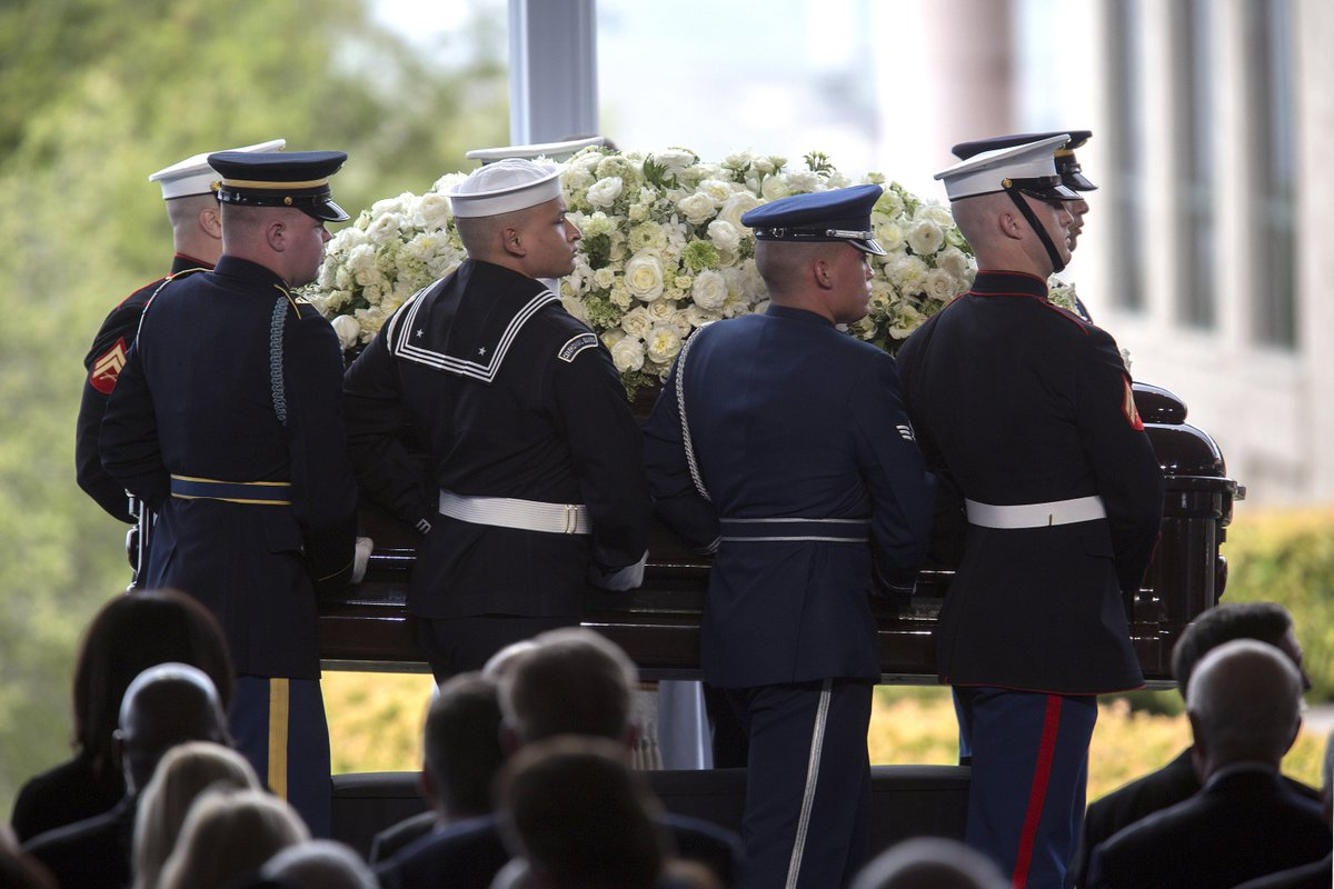 Photos: Michelle Obama, Tom Selleck mourn Nancy Reagan at Simi Valley Funeral
