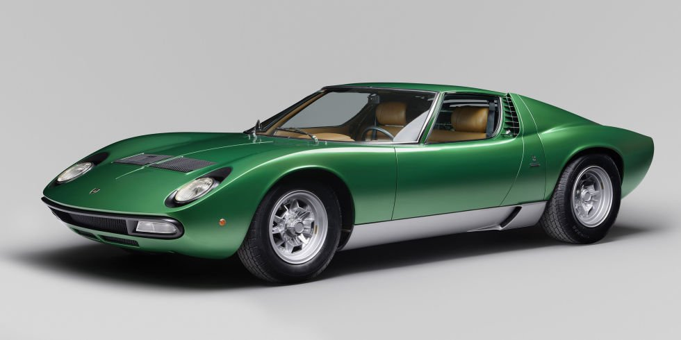 This 1971 @Lamborghini Miura SV was restored right at the factory https://t.co/5A7XooiSsa https://t.co/4DaGtSreTw