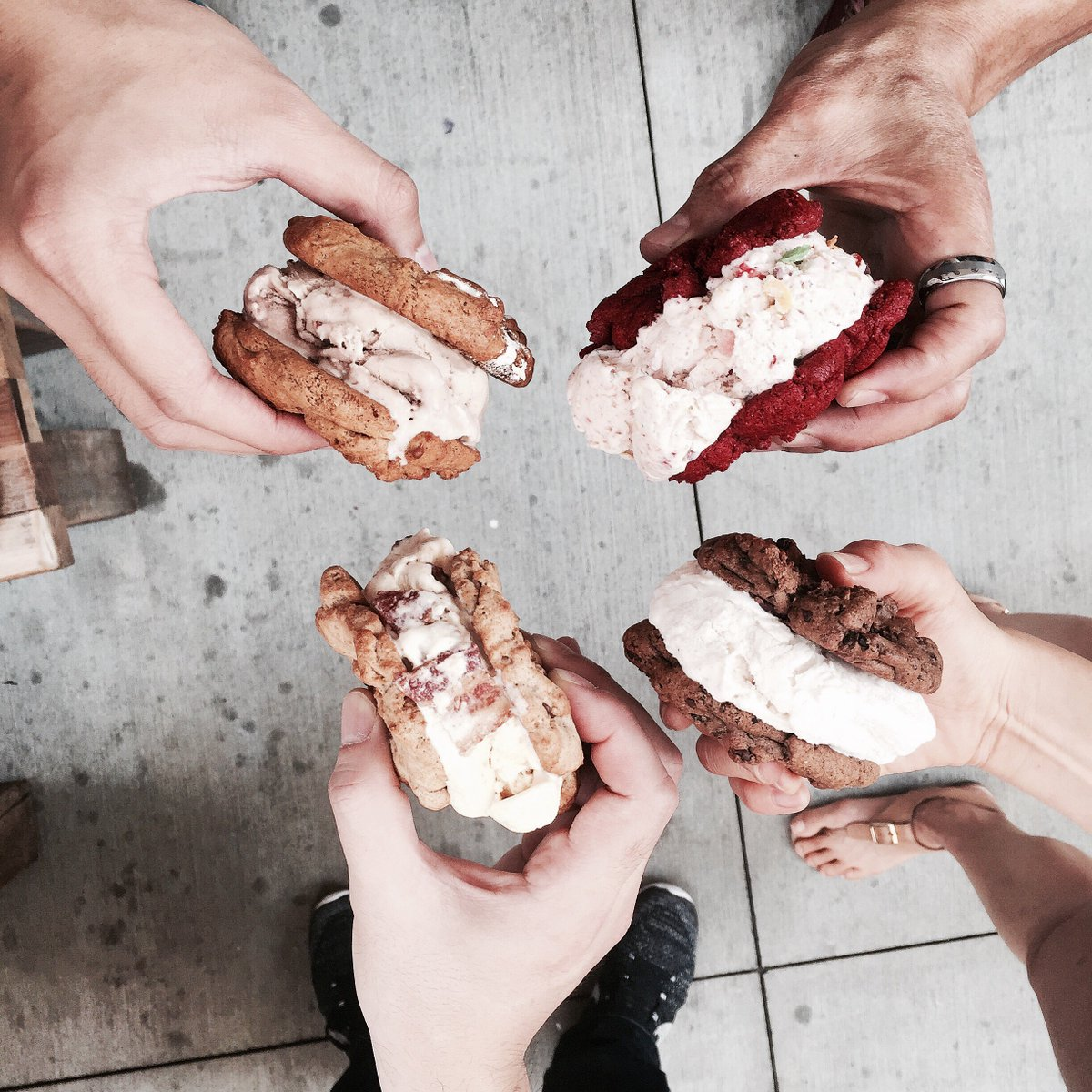 #WestSide CNC fans!! #foodtruck + icecream sammiches will be at the #SantaMonica Airport #ArtWalk tomorrow 12-5pm! https://t.co/5gN5wfLbRv