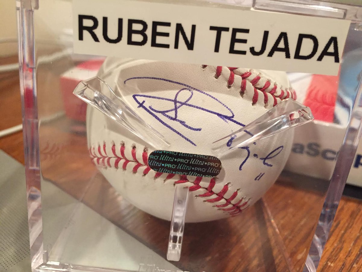 Free #Mets giveaway. Follow @dailystache and RT this and random person will win Ruben Tejada signed baseball. https://t.co/dAOhjwo67Z