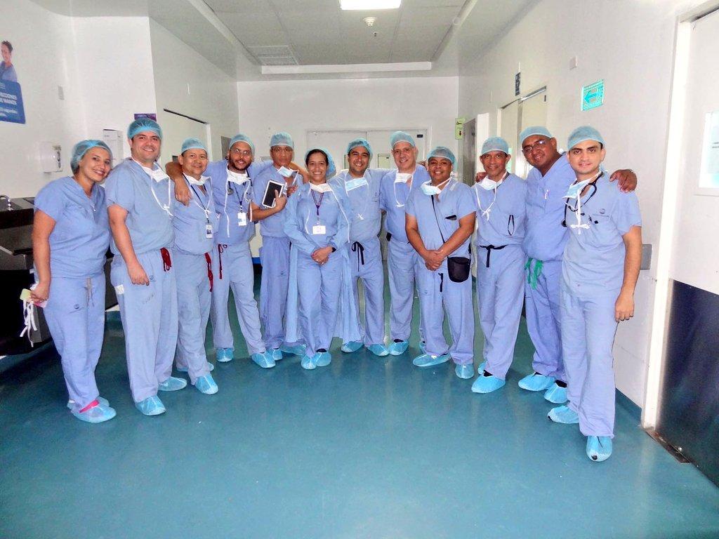 #CSSContigo Este fue el equipo médico de la CSS que participó en el primer trasplante de corazón en Panamá https://t.co/clu08BM0Kp
