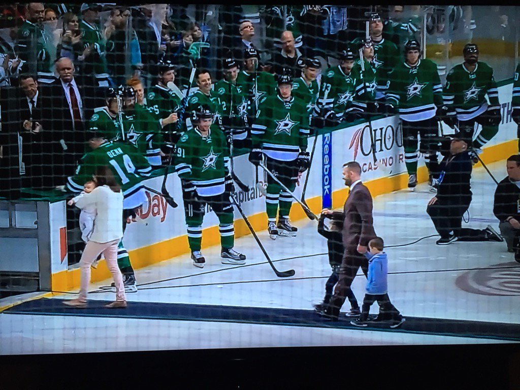 Touching moment for @RichPeverley & family at @DallasStars game. #perspective https://t.co/vrjv0RaFqy