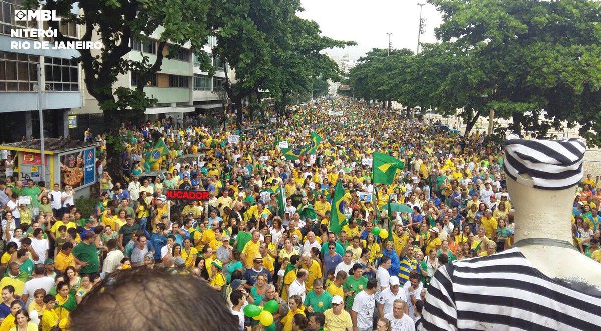 "Manifestação em Niterói: ""@MBLivre: https://t.co/EzA7fggxAh"""