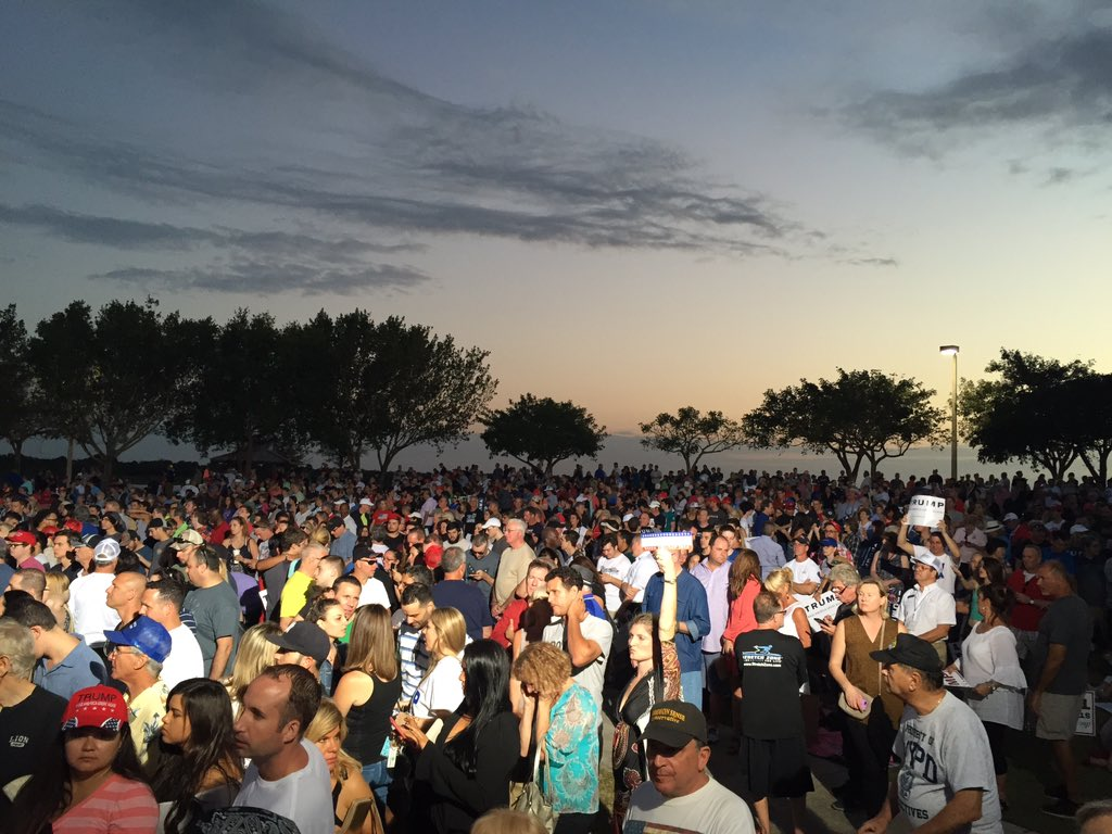 General Election Size Crowds for  @realDonaldTrump here in Boca.... https://t.co/vqxrvPHuqQ