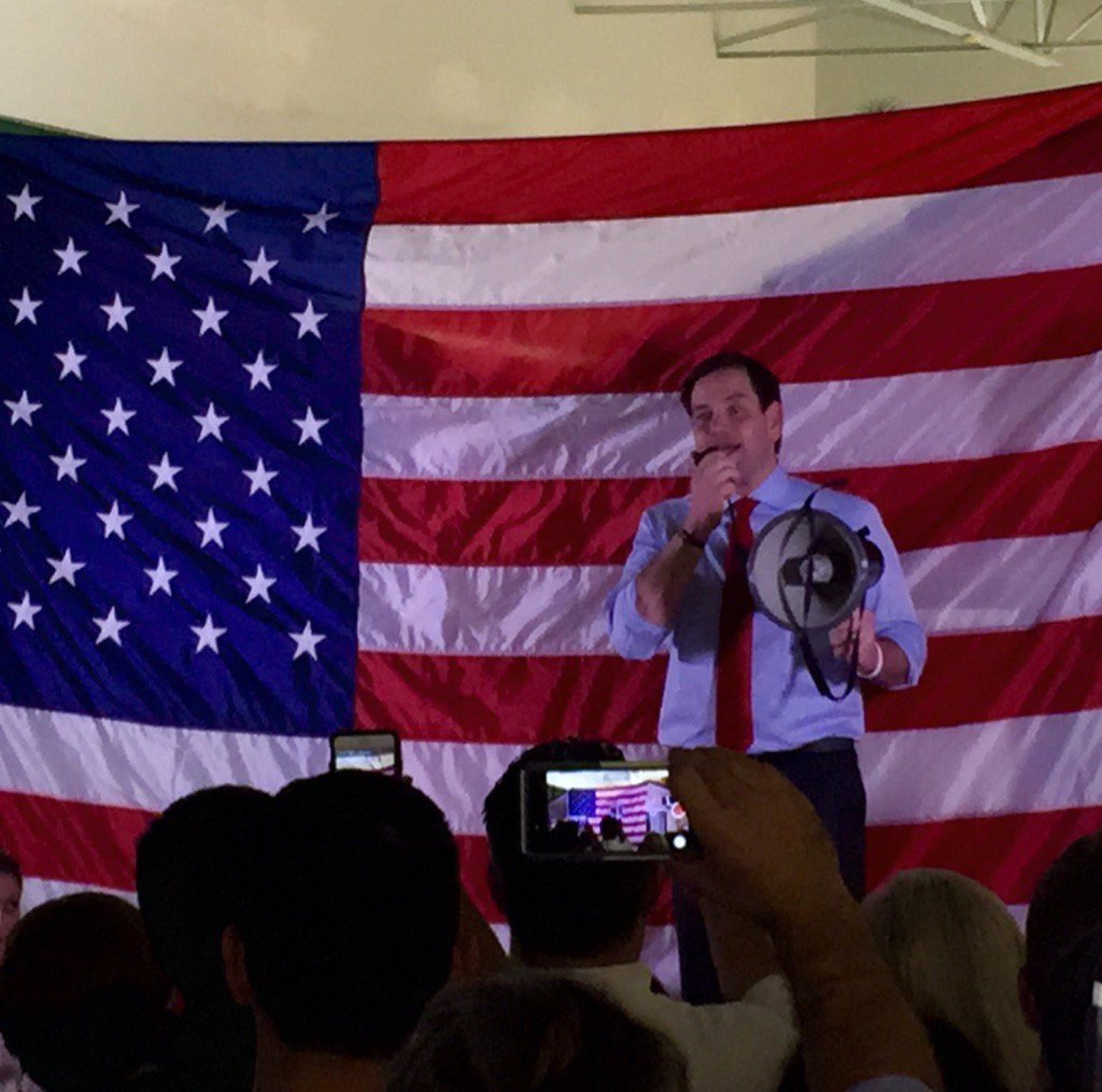 @marcorubio speaks to his supporters in Orlando. I will have an interview with him @WESH 11PM https://t.co/tLyDVMJ1L3