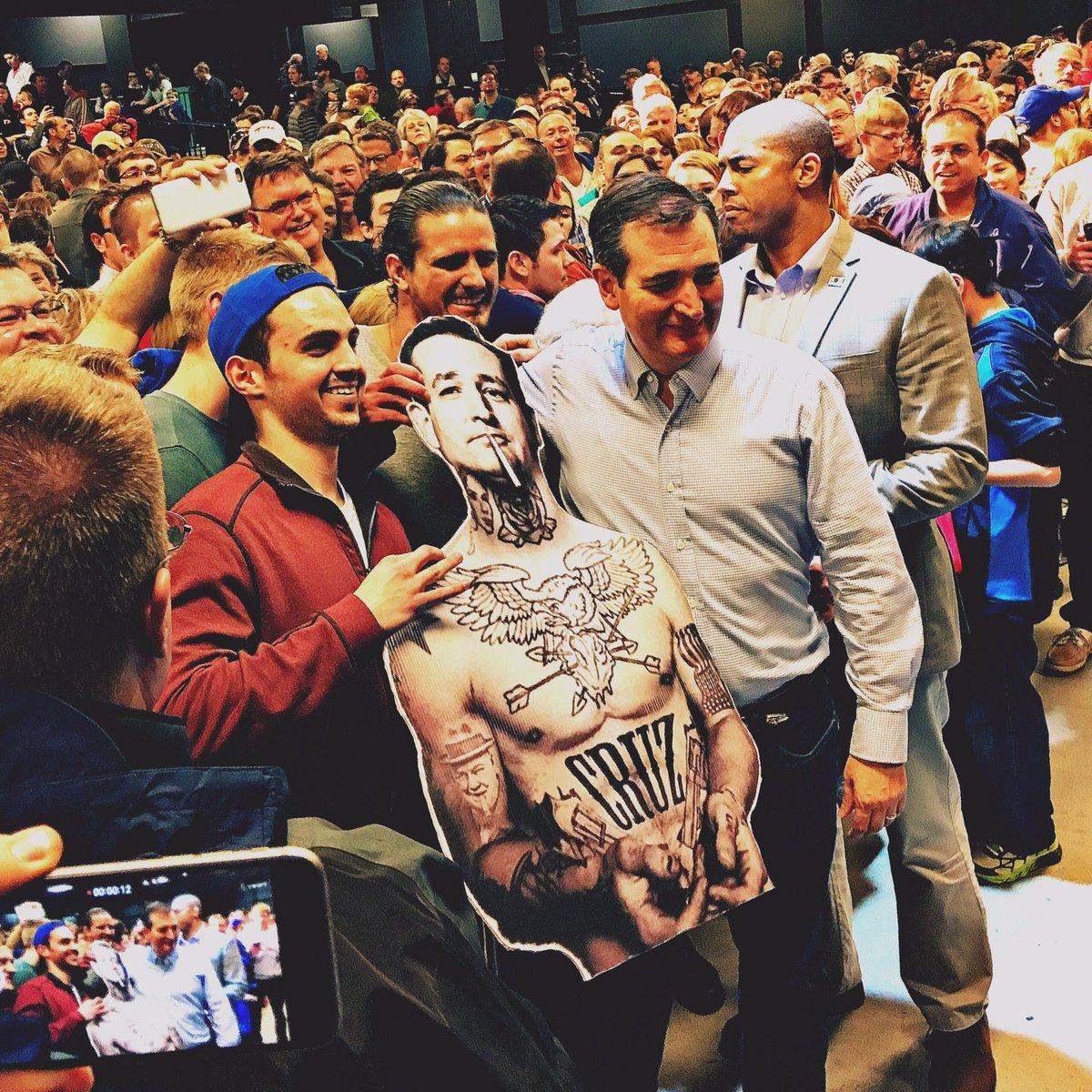 They finally meet. #CruzCrew https://t.co/5WQ7roY3NP