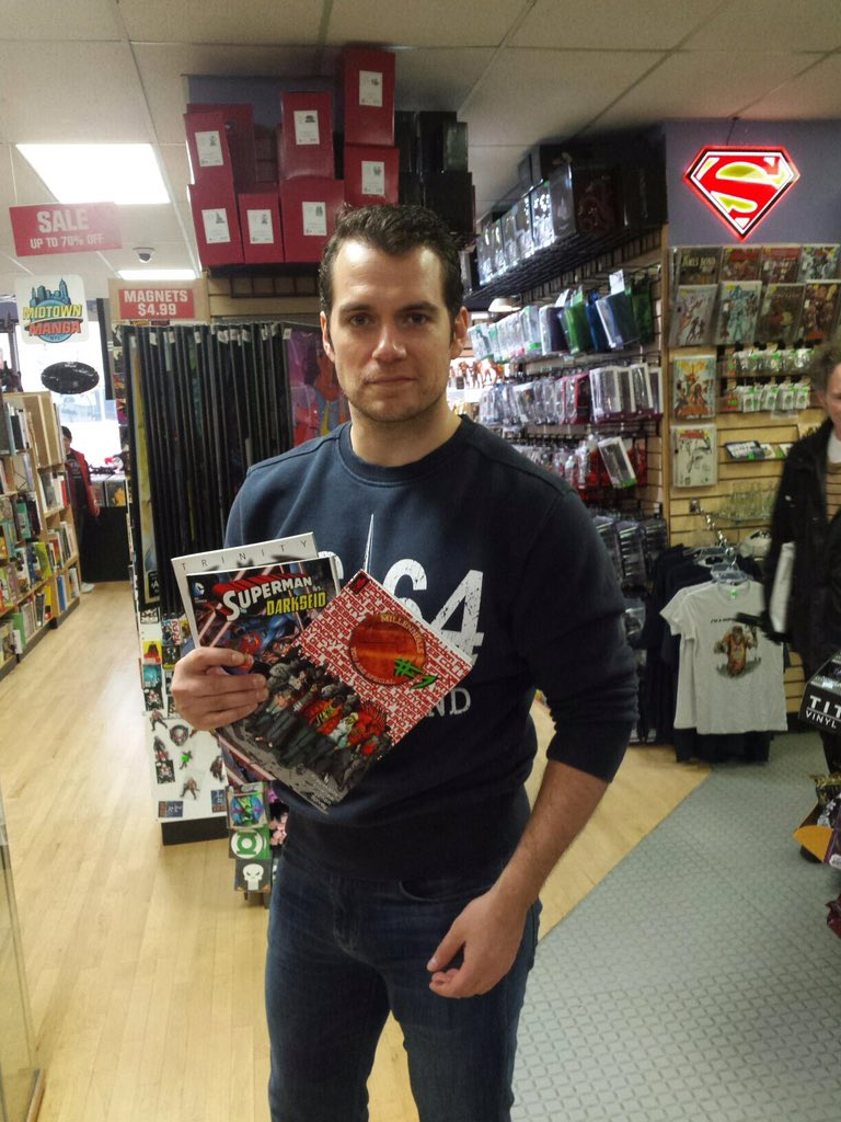 Henry Cavill, aka #Superman, visited Midtown Comics Grand Central & signed some comics for fans! #BatmanvSuperman https://t.co/oJsHogfHfh