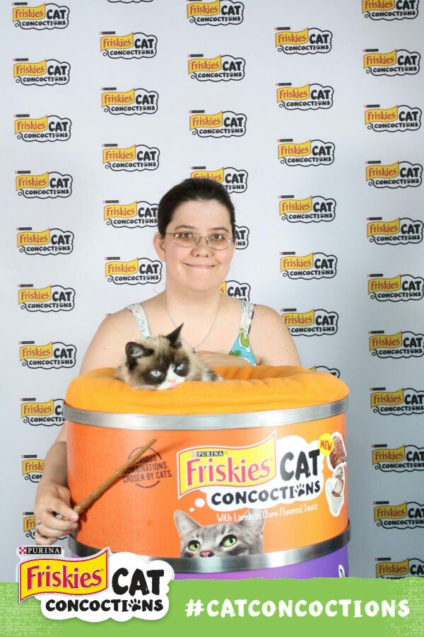 Proof: @RealGrumpyCat is my patronus. Thanks @Friskies! #CatConcoctions #SXSW #keepaustingrumpy #blocklongline https://t.co/KkELjVlpnh