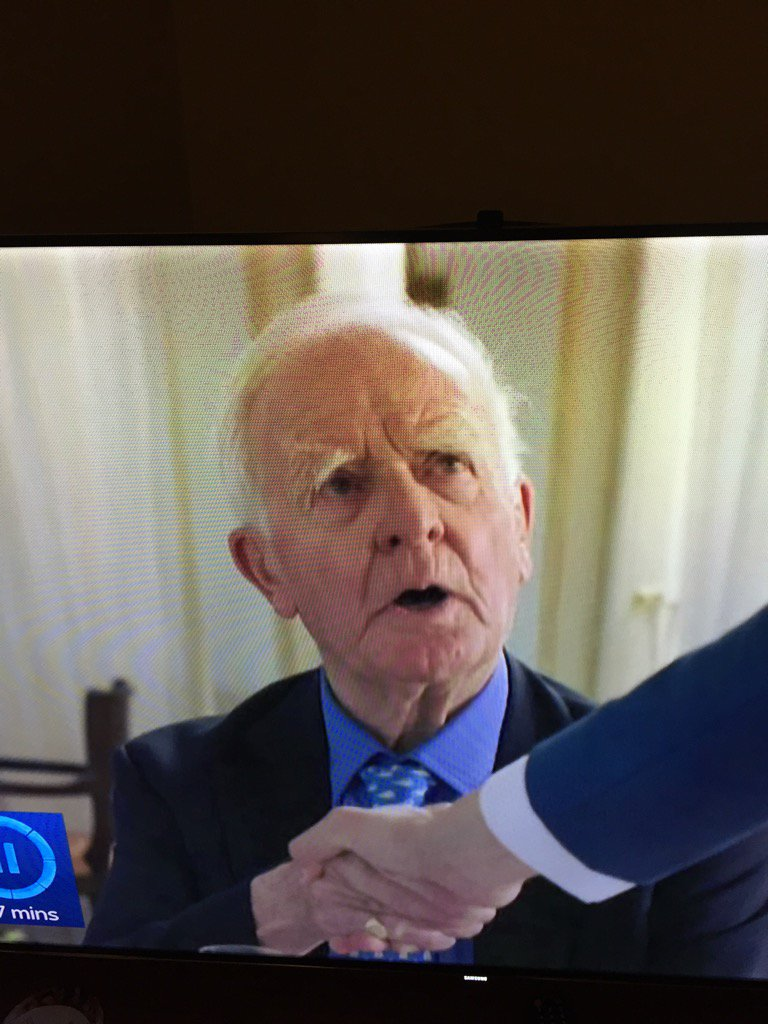 One frame and not easy to pause, but here he is: John Le Carre in #TheNightManager https://t.co/MzuiRVLCVK