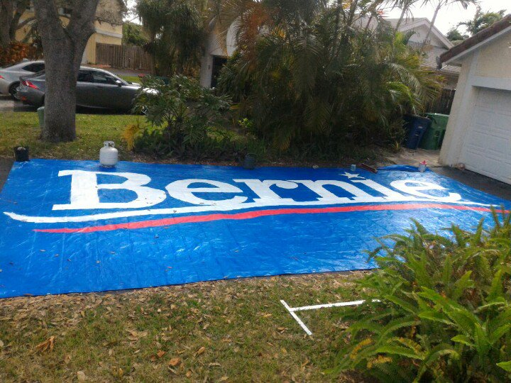 Need 2-3 ppl in Broward County to help me display this banner on Tues at any popular polling place @nicolesandler https://t.co/xRERgCZyvN