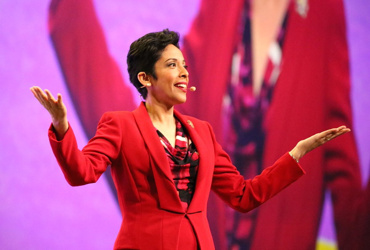 """""""Girls are worth the investment,"""" @AnnaMariaChavez tells #WFFConf of her commitment to @girlscouts https://t.co/QIyAFtBa5c"""