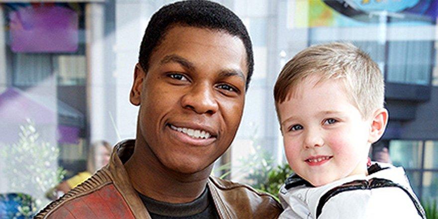 Cute alert! John Boyega surprises sick children with Star Wars toys