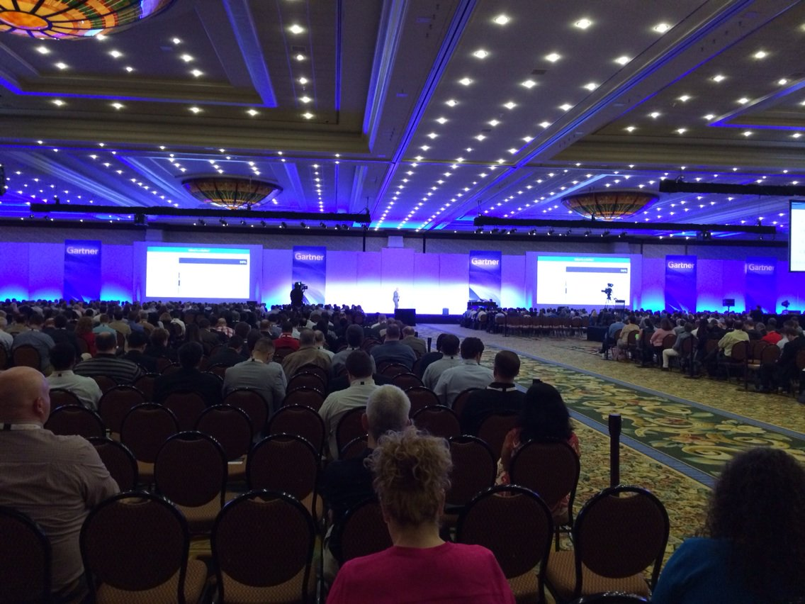 Over 2000 people here! We are ready to roll #analytics #data #gartnerbi https://t.co/9TCmgfWMtZ