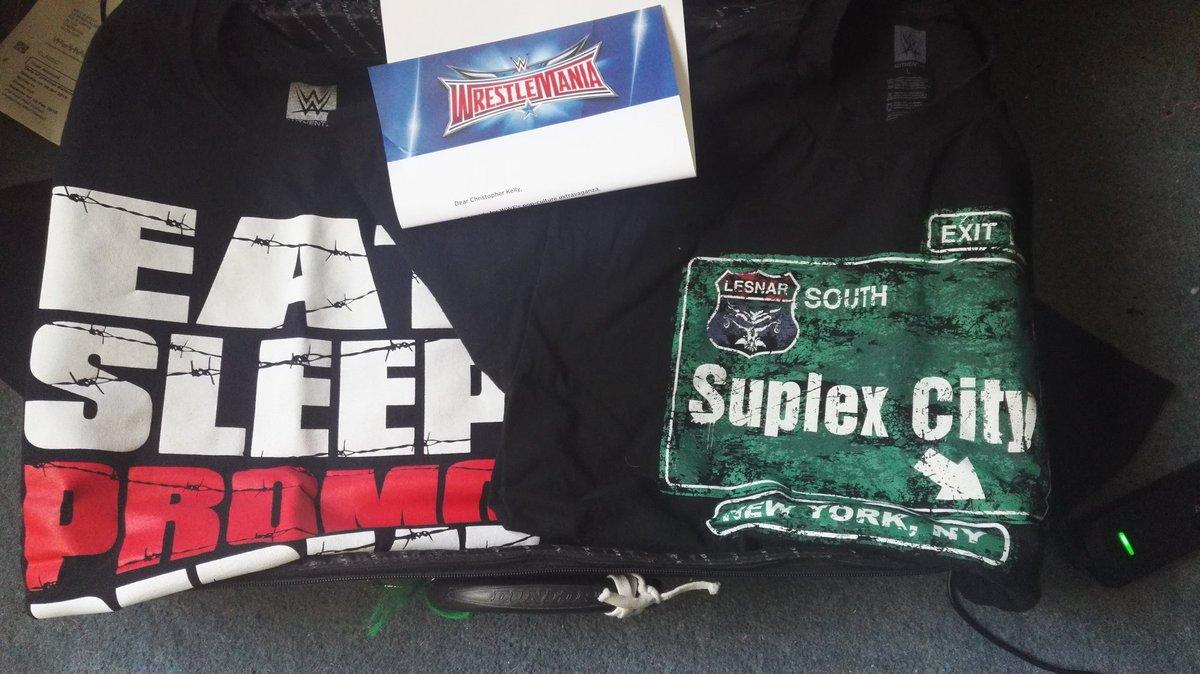 Packing for @WrestleMania and ive got @HeymanHustle tees all ready https://t.co/0slmyenFyk